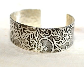 Sterling silver hammered botanical jungle of flowering vines cuff bracelet - custom hammered and crafted solid 925 - BR900