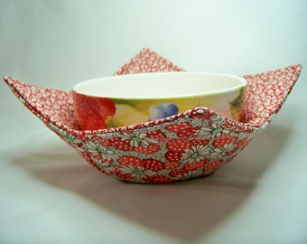 Microwave Bowl Cozy - Polka Dot Flower in Red - Bowl Pot Holder - Reversible -  Ready to Ship