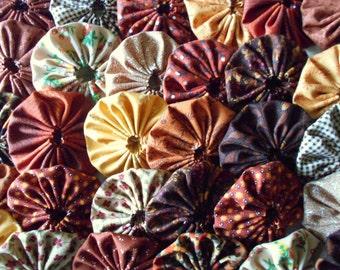 30 Fall / Autumn  Yo Yo 2 Inch Quilt Block Trim Applique Embellishment Barrettes