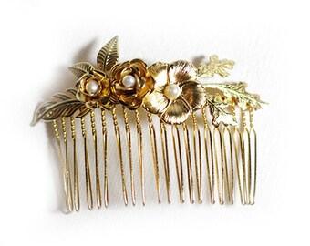 Stunning Flower Comb, Bridal Hair Accessories, Decorative Comb, Wedding Floral Comb, Bridesmaid Accessory, Romantic Flower Comb, Bohemian