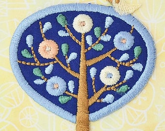 Kawaii Bird & Tree Applique, Botanical Embroidered Iron On Patch, Japanese Iron on Applique, Made in Japan, Natural Embroidery Applique,W093