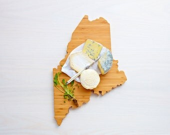 Maine State Cutting Board, Father's Day Gift,   Unique Wedding Gift, Personalized Gift, Summer Wedding GIft, Graduation Gift