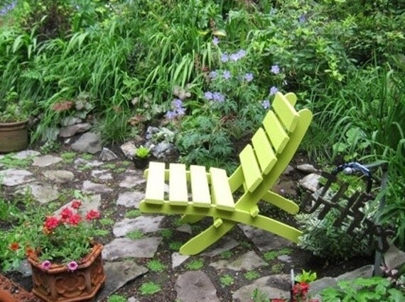 Comfy Green Cedar Chair for Home & Garden Decor - Storable - handcrafted by Laughing Creek