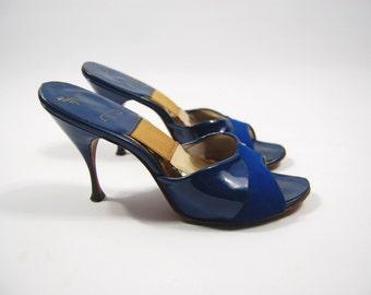 1950s Blue Patent Leather Springolators - size 6.5AA // Blue Springolators - Spring-o-lators - Ferncraft