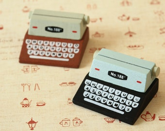 Poulain Retro Mini Typewriter Note Holder