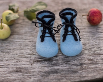 Baby boy shoes infant boots felted baby booties laced shoes newborn gift baby shower day gift blue boots wool shoes kids boots black laces