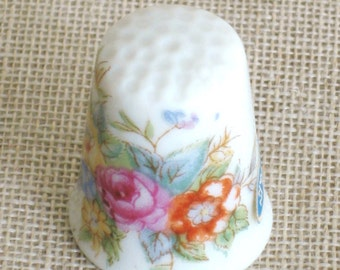 Ceramic Sewing Thimble,  Japan, Flowers, Sewing Aids, Made in Japan, Sewing Tools, Sewing Items, Collectible