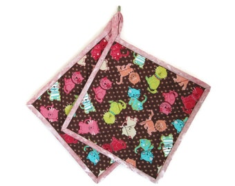 """Quilted Potholders """"Colorful Kittens at Play"""" Set of 2, Quiltsy Handmade, Fabric Hot Pads, Quilted Trivet"""