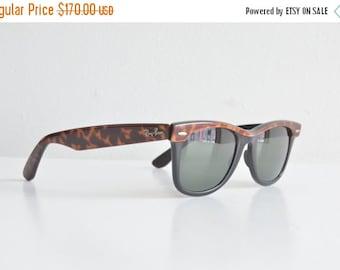 30% OFF STOREWIDE / Vintage 1980s original RAYBAN Wayfarer sunglasses