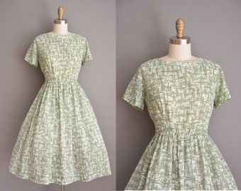 vintage 1950s dress / green abstract print dress / 50s cotton dress