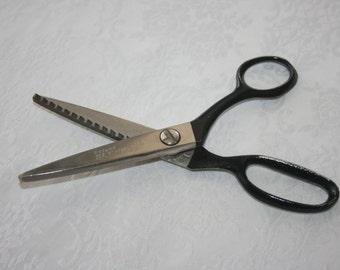 Vintage Kleencut Pinking Sheers Scissors Metal USA Sewing