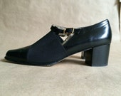 gorgeous vintage 1990's black leather / chunky heel  / Mary Janes / cut out leather/ elastic overlay