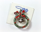 Vintage Wells Sterling Silver Christmas Wreath With Bell Moveable Charm New Unused Still On Original Card Very Good Condition