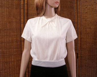 Vintage 1950s Pleated Blouse Cream White Blouson Waistband Lined Chiffon Top / Medium