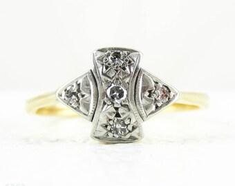 Art Deco Diamond Engagement Ring, 1920s Geometric Bow Shape Five Stone Diamond Ring in 18 Carat Gold & Platinum.