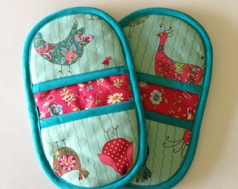 Matching Pot Holders - Chickens and Flowers