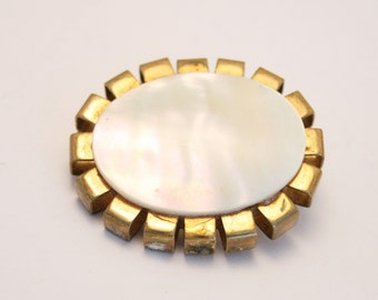 Vintage Mother of Pearl brooch.