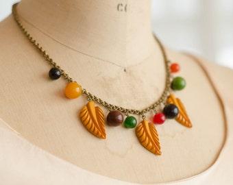 1940's Bakelite Necklace - 40s Leaf & Fruit Necklace - Chiquita Bakelite Necklace
