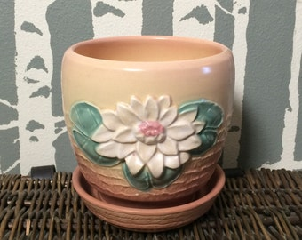 Vintage Hull water lily pottery vase bowl planter