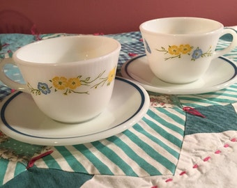 Vintage Pyrex 4 Piece Mis Matched Floral Tea Cup Set Made In The USA #3520