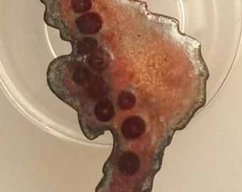 Medium Seahorse Lapel Pin - Russets