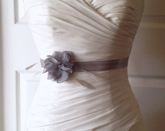 Platinum Gray Bridal Sash Belt, Grey Bridal Sash, Charcoal Bridal Sash, Grey Wedding Belt, Wedding Accessories Mallory