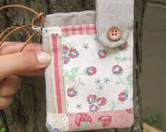 Linen Padded pouch with strap