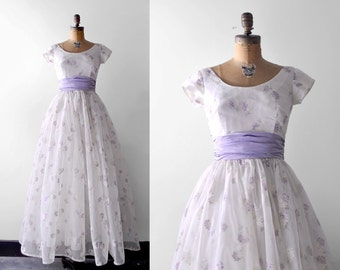 1950's purple dress. floral organza. 50 long dress. s. 1950 ball gown. full. lilac. white.