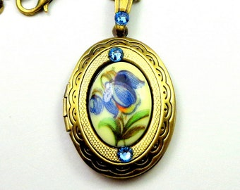 Vintage Painted Blue Flower Cameo,Locket Necklace,Neo Victorian,Steam Punk Goth,Vintage Style,Gothic Jewellry,Edwardian Fantasy