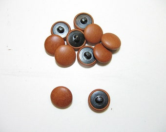 30 Line, Cowhide Covered, Hopper Back Buttons in Corral Brown (12 PC.)
