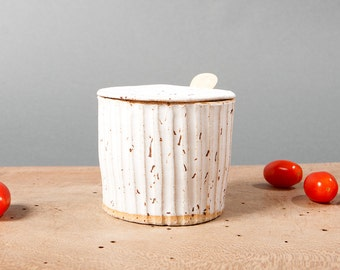 bowl with lid white danish keramik grooved ceramics speckled handmade by pollipots scandinavian studio pottery decor poterie kitchen