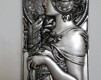 Art nouveau style wall decor plaque. Silver or cream