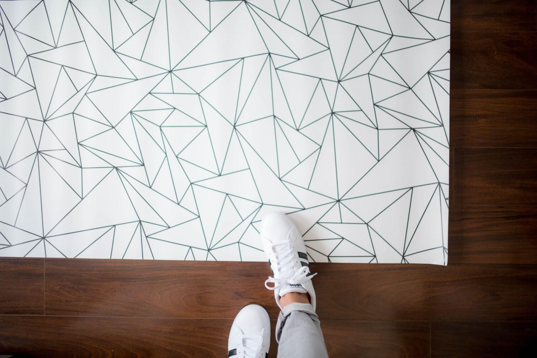 geometric triangles rug minimalist kids room monochrome. Black Bedroom Furniture Sets. Home Design Ideas