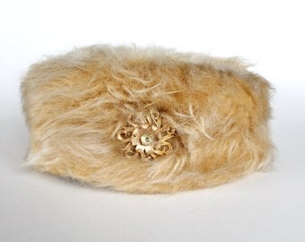 Vintage 1950s/1960s Womens Beige Faux Fur Hat with Rhinestone Pin