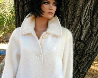 Mint Condition WINTER WHITE Mohair Late 50s Early 60s MADMEN Wayne Evans Amazing Union Made  Single Breasted Size 12 Fall & Winter Coat