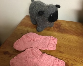 Knitted Girl's 100% cotton socks pink fits children's shoe sizes 4-8