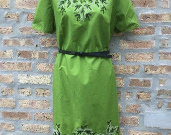 GREEN - dress - handmade - leaf EMBROIDERED - short sleeved - straight dress - size L