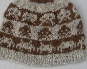 Wool hat: space invaders in hand-spun