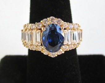 14K Solid Gold Ring - Vintage, Ladies w/ Beautiful Blue & Colorless Stones - Size 6