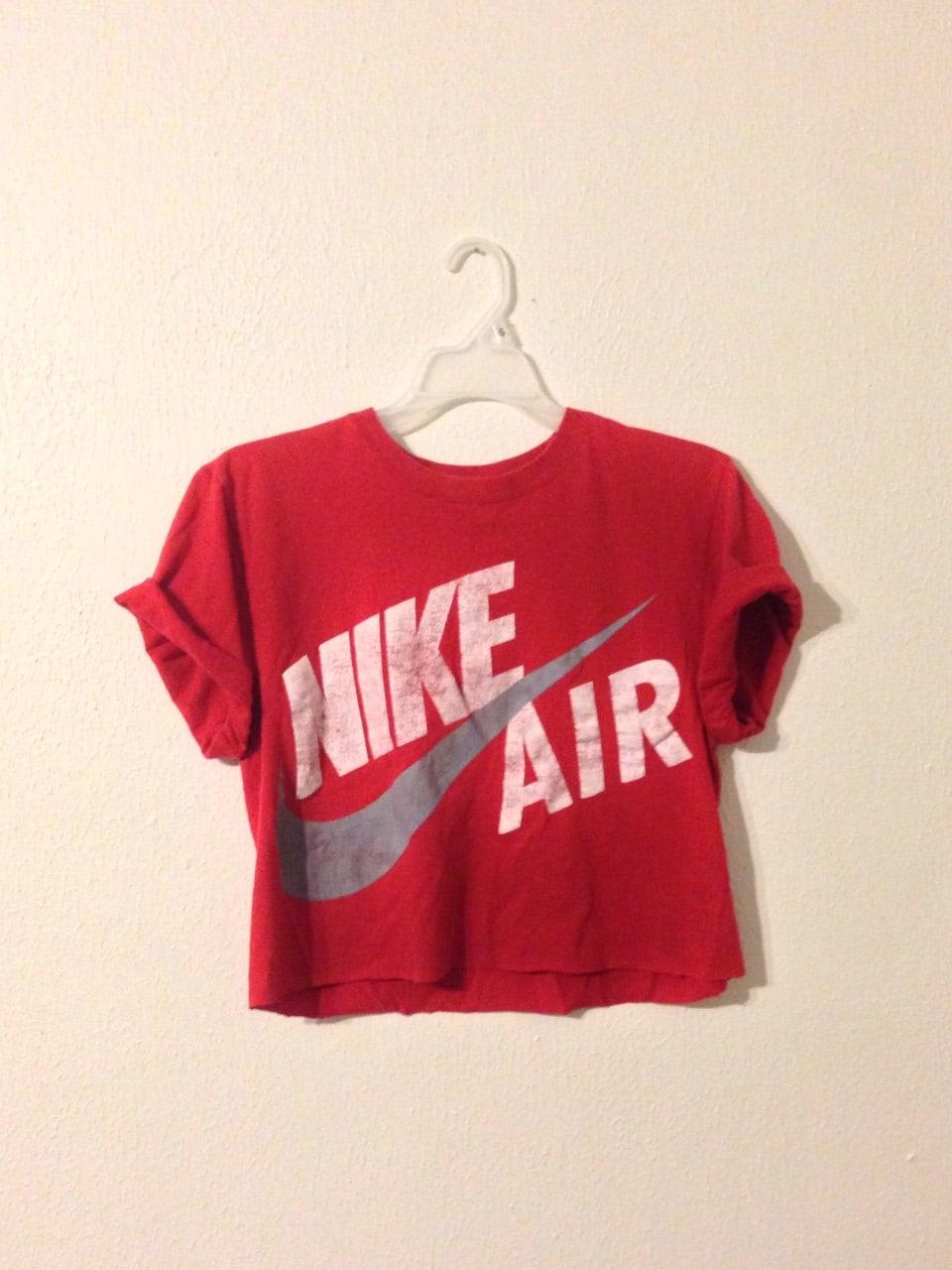nike air red short sleeve crop top. Black Bedroom Furniture Sets. Home Design Ideas