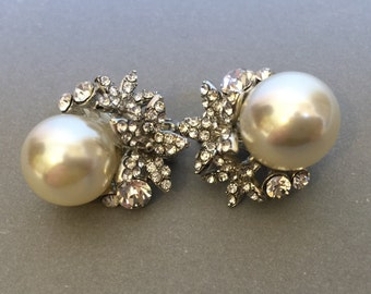Pearl Clipon Earrings Bridal Earrings with Rhinestone and clip on backs in silver with White Pearls classic design wedding earrings clip ons