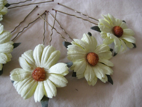 Hairpins x 5. Pale Yellow Daisy. Bridal, Regency, Victorian.
