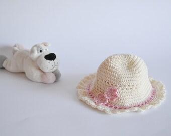 Baby newborn hat Infant Newborn hat Crocheted infant hat white girls hat 1 to 3 months