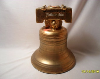 Philadelphia Blended Whisky Bicentennial Memento Liberty Bell Collector Decanter