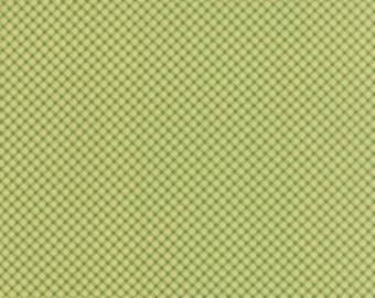 "Windermere - Gingham in Clover by Brenda Riddle for Moda Fabrics - 33"" Remnant"