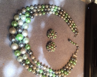 LOVELY GREEN & GRAY Demi-Paurure Necklace and Earrings Jewelry Set - Oh So 50s