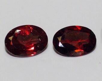 SPESSARTINE GARNET (32626) * * * Pair ( 2 Gems) 5 x 7mm Medium Red Garnet Oval Cut