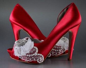 Wedding Shoes -Custom Colors 220 Choices - Silk Satin, 4 inch Heels,Lace, Swarovski Crystals, Pearls, Rhinestone Brooch on Spray ofTulle