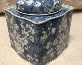 Vintage Blue Dogwood Tin Container made by Daher in England 1960s