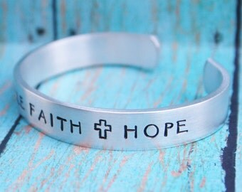 Bracelet Unbreakable Faith Hope Hand Stamped Jewelry Cuff Great Gift For Friend Sturdy 12 Gauge Aluminum Metal Silver Color NEW FONT Feather